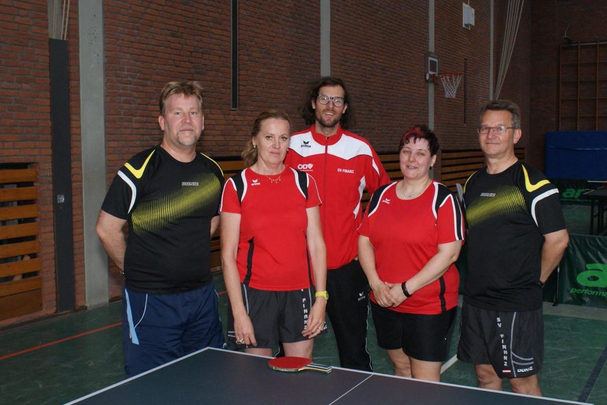 Tischtennis beim Internationalen Finanzsportturnier 2015